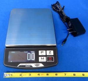 Digital Scale with Backlit Display. 500 Gram Capacity, Accurate to 0.1g. Reads g, oz, dwt, ct. Uses 6-AA Batteries (not